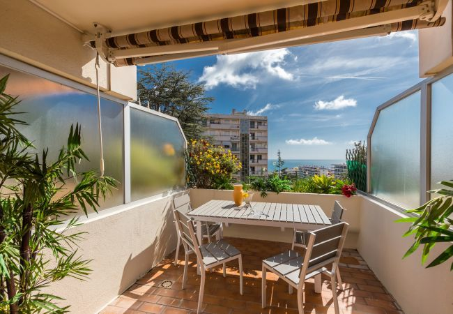 Appartement à Nice - Centragence- Ciel - Studio with sea view terrace